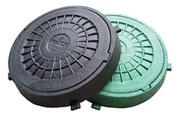 Люк пластиковый чёрный и зелёный
