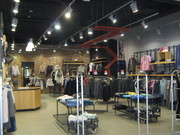 Торговое оборудования для бутиков одежды Б/У