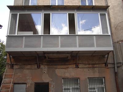 Предлагаем профессиональные услуги по строительству балконов.