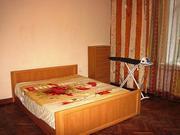 Хозяйка сдает двухкомнатную гостинку в центре