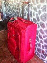 дешево продам чемодан новый ! На колесах