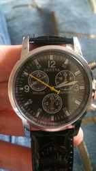 Мужские кварцевые часы новые!