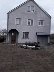 Дом за Алексеевкой с ремонтом.
